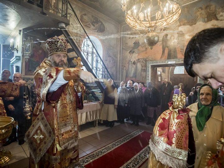 Митрополит совершил Литургию в киселёвском храме благоверного князя Александра Невского в престольный день