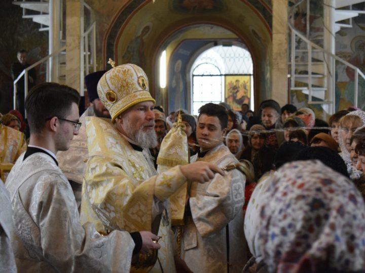 В кафедральном соборе Новокузнецкой епархии прославили Крещение Господне