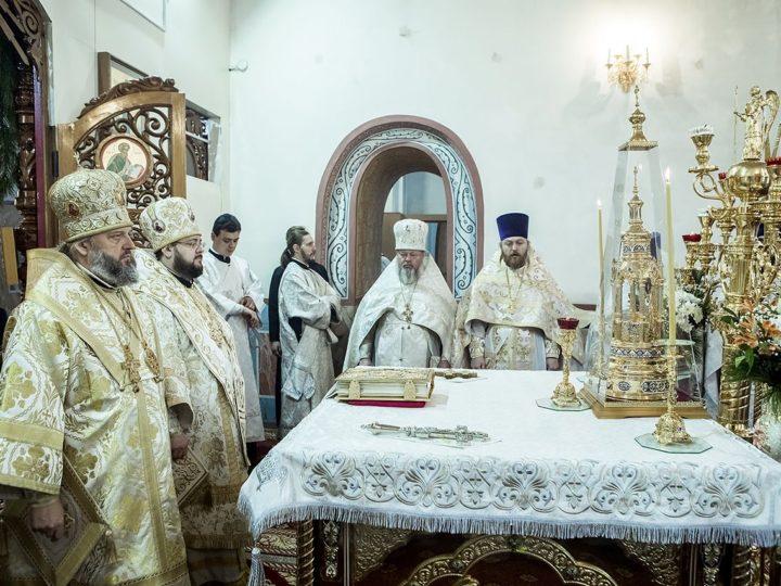 12 января 2020 г. Божественная литургия в Неделю по Рождестве Христовом в Иоанно-Предтеченском соборе Юрги