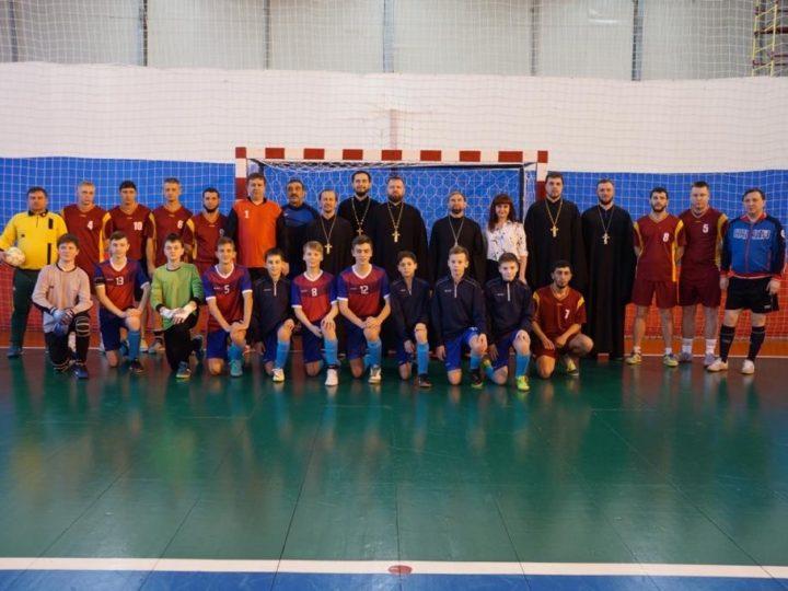 Футболисты «Ортодокса» провели товарищеский матч с командой Гурьевского района