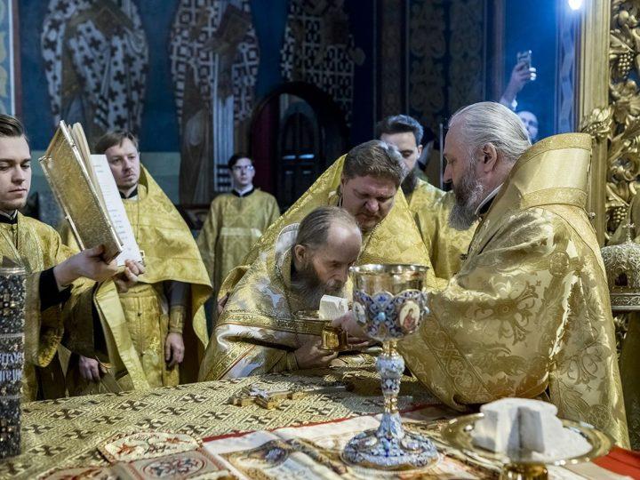 23 февраля 2020 г. Божественная литургия в Знаменском соборе в неделю о Страшном суде. Хиротонии иеромонаха Николая (Ситникова) и иеродиакона Руфа (Исаева)