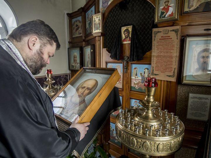 Кемеровские священнослужители совершили чинопоследования об избавлении от эпидемии