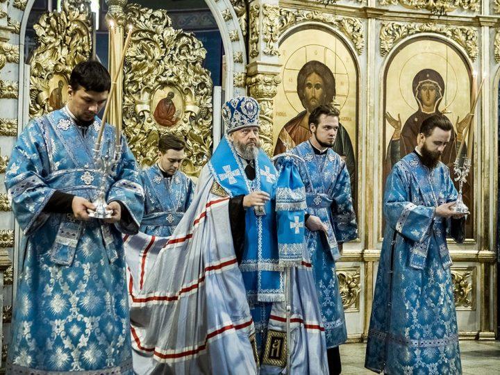 6 апреля 2020 г. Всенощное бдение в Знаменском кафедральном соборе в канун Благовещения Пресвятой Богородицы