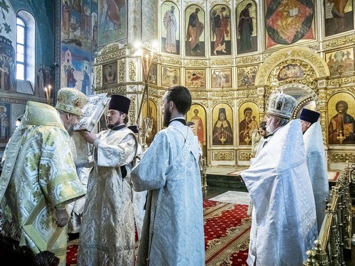 28 мая 2020 г. Празднование Вознесения Господня в Знаменском соборе Кемерова
