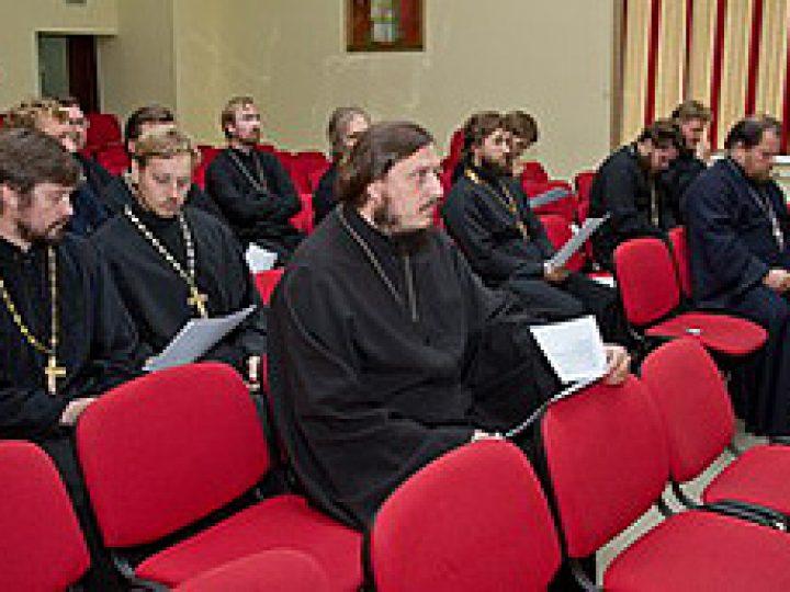 Состоялся первый Архиерейский Совет Кузбасской митрополии