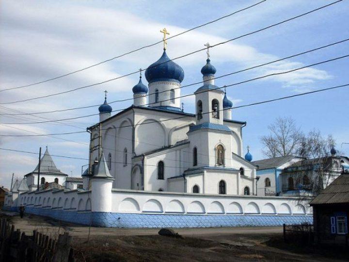 В праздник Покрова Пресвятой Богородицы митрополит Аристарх совершил Литургию в монастыре Л-Кузнецкого