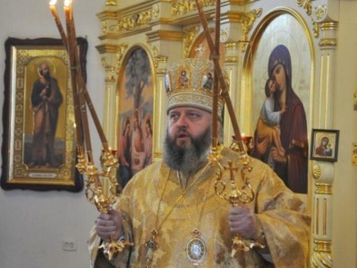 В день памяти святителя и чудотворца Николая митрополит Аристарх совершил Божественную литургию в Никольском храме Междуреченска