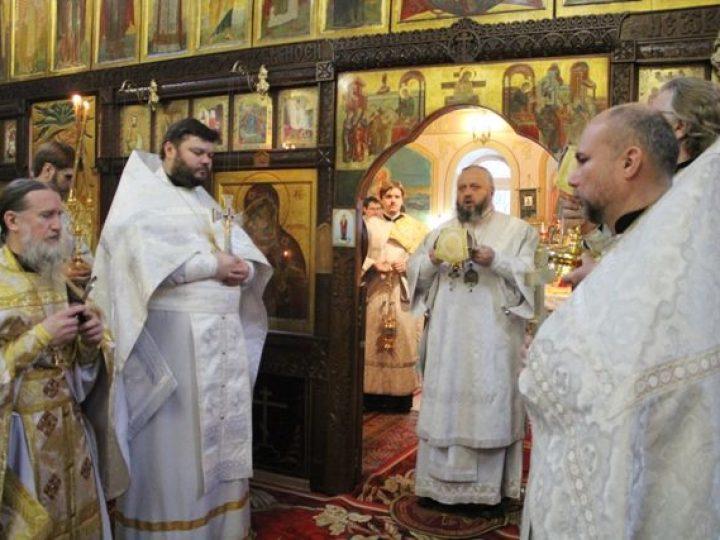 В праздник Обрезания Господня глава Кузбасской митрополии совершил Божественную литургию в храме Ленинска-Кузнецкого