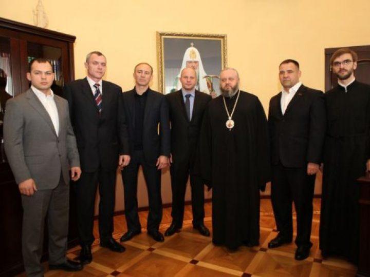 Митрополит Аристарх провел встречу с легендарным российским спортсменом Фёдором Емельяненко