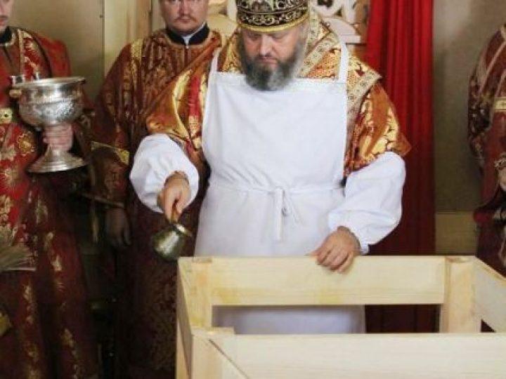 Митрополит Аристарх освятил храм в честь небесного покровителя Прокопьевска
