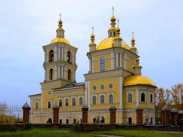 В праздник Преображения Господня митрополит Аристарх возглавил служение Божественной литургии в соборе Новокузнецка