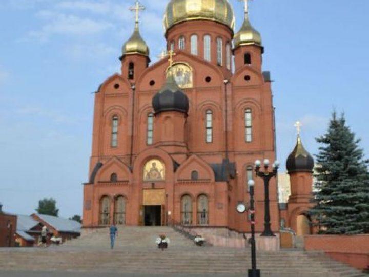 В неделю 11-ю по Пятидесятнице глава Кузбасской митрополии совершил Литургию в Знаменском соборе