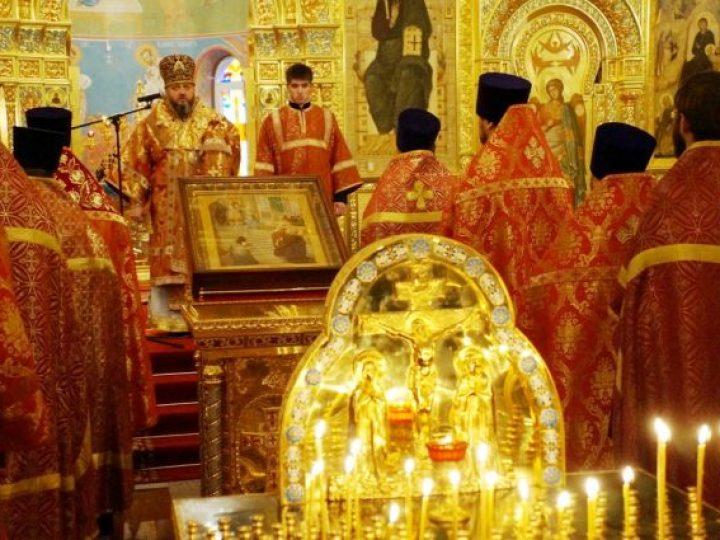 Митрополит Аристарх совершил панихиду по приснопамятному Патриарху Алексию II
