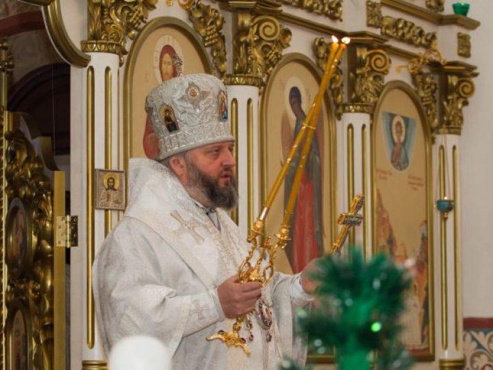 Митрополит Аристарх возглавил Литургию престольного праздника в храме Мариинской епархии