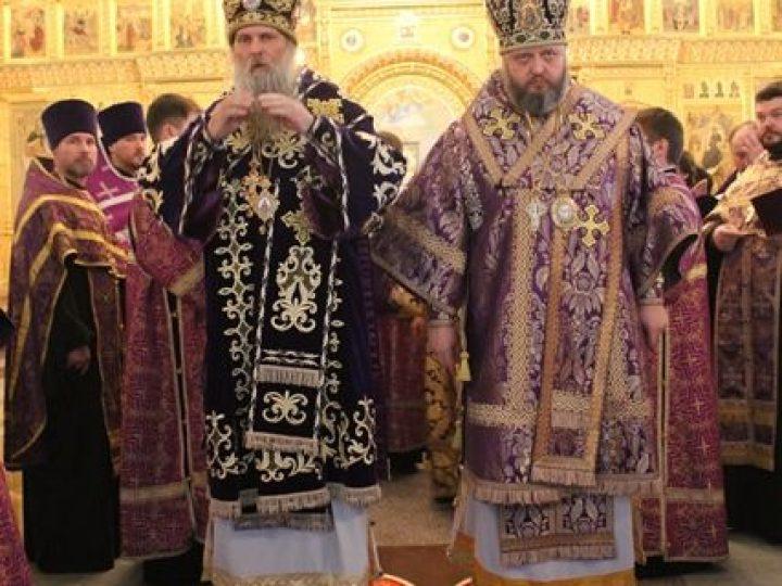 Митрополит Аристарх и епископ Йован совершили всенощное бдение в соборе Рождества Христова Новокузнецка
