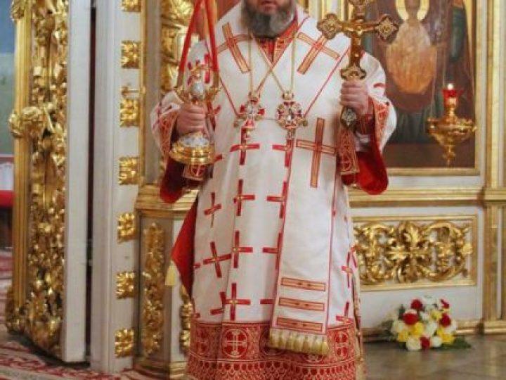 В праздник Светлого Христова Воскресения митрополит Аристарх возглавил торжественное богослужение в Знаменском соборе