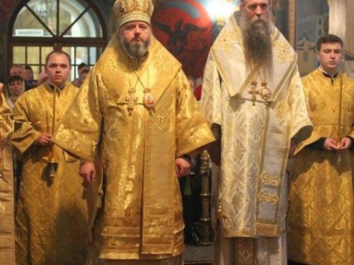 Митрополит Аристарх и епископ Иоанникий совершили всенощное бдение в Знаменском соборе Кемерова