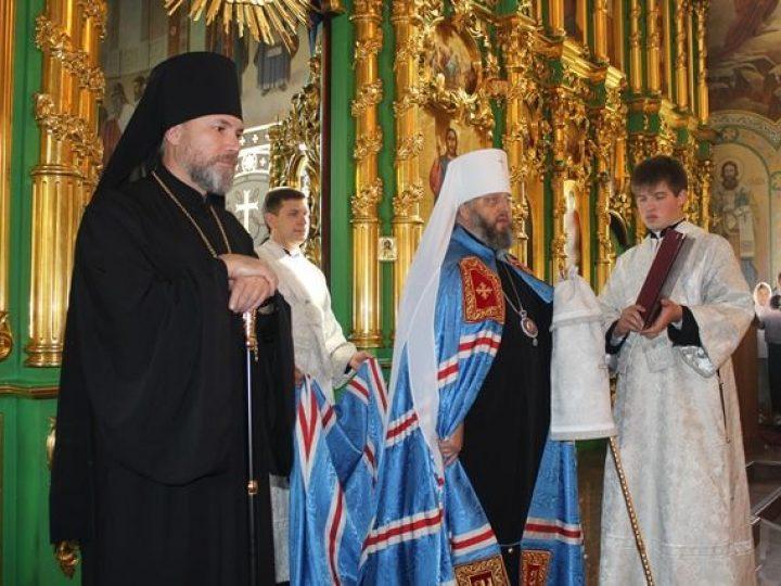 Глава Кузбасской митрополии представил управляющего Новокузнецкой епархией пастве Осинников