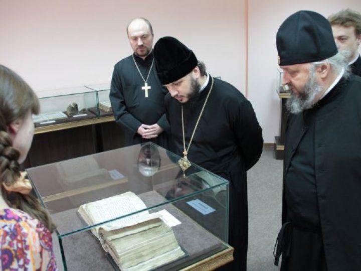 Митрополит Аристарх провел рабочий день в Кузбасской духовной семинарии
