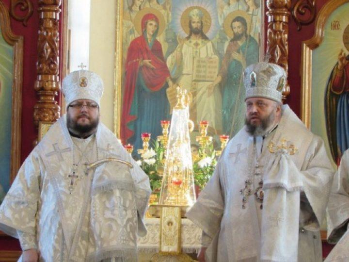 Глава Кузбасской митрополии возглавил Литургию в кафедральном соборе Мариинской епархии