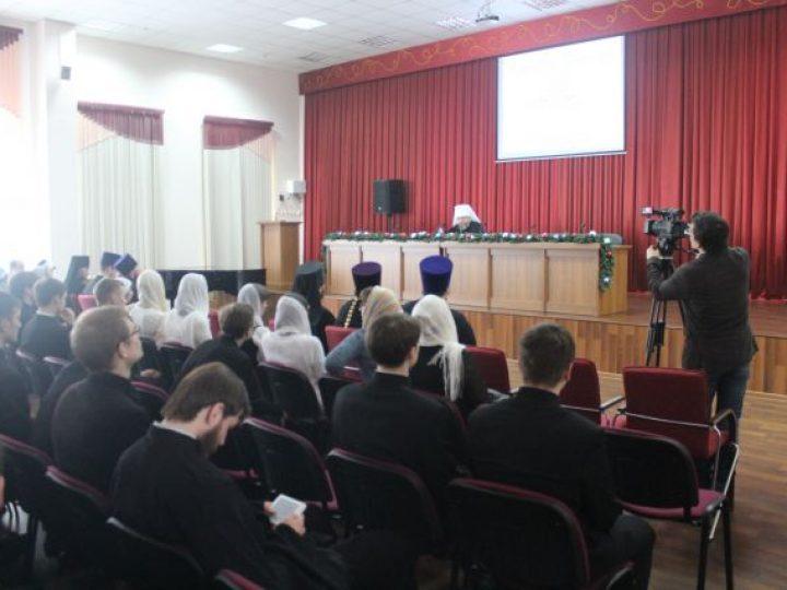 В Кузбасской семинарии прошел актовый день по случаю престольного праздника домового храма