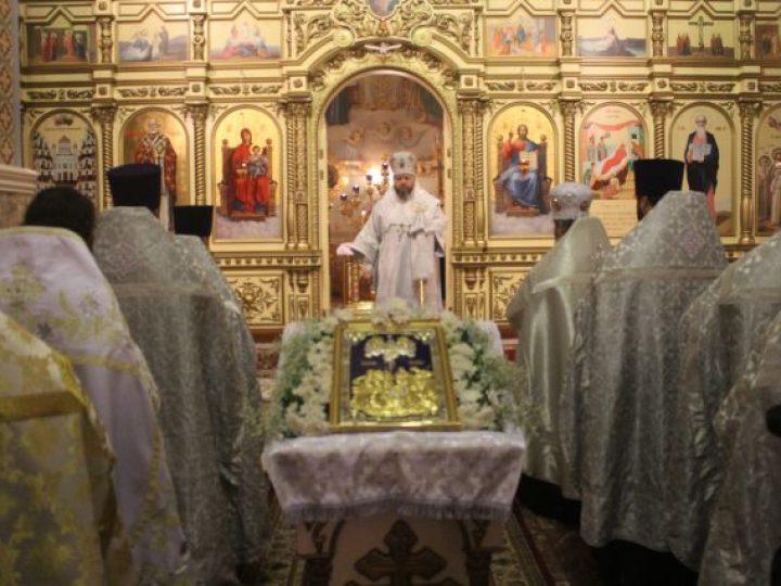 Глава Кузбасской митрополии совершил великую вечерню в соборе Прокопьевска