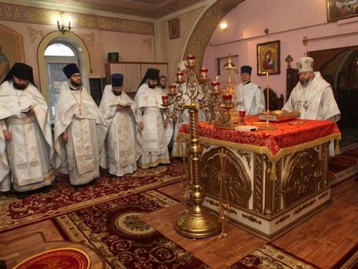 В праздник Обрезания Господня митрополит Аристарх совершил Литургию в храме Л-Кузнецкого