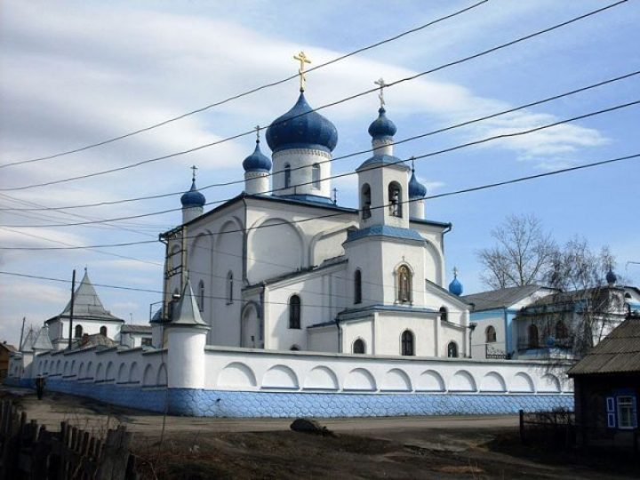 В день памяти прп. Серафима Саровского митрополит Аристарх совершил Литургию в монастыре Л-Кузнецкого