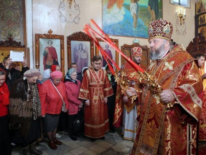 В субботу Светлой седмицы глава Кузбасской митрополии совершил Литургию в храме Л-Кузнецкого