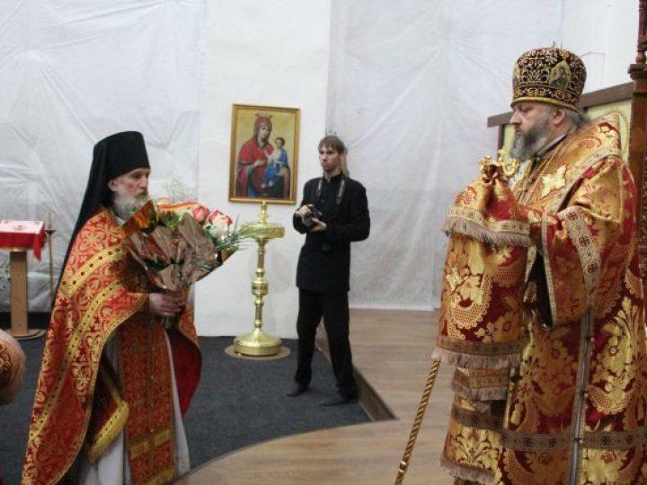 Во вторник Светлой седмицы митрополит Аристарх совершил богослужения в храме и монастыре Л-Кузнецкого