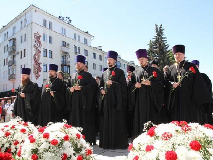 Православное духовенство Кузбасса почтило память участников Великой Отечественной войны