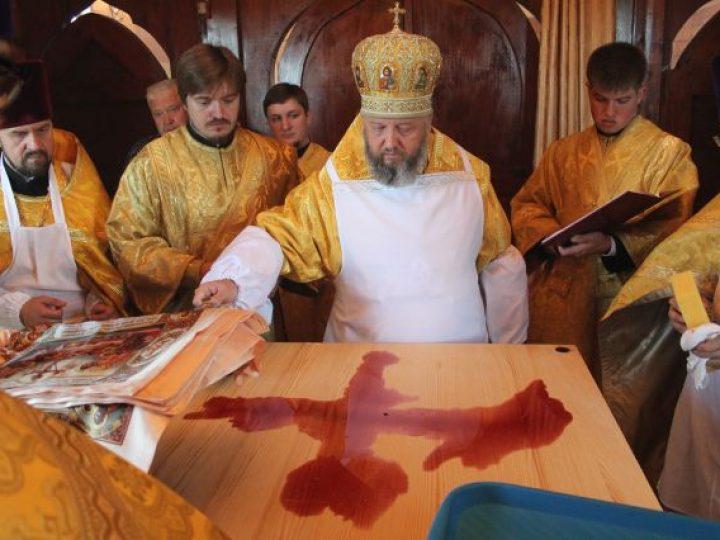Митрополит Аристарх освятил нововыстроенный храм в Ленинск-Кузнецком районе