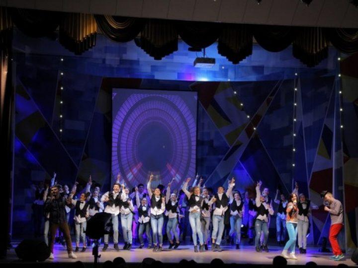 В Кемерове митрополит Аристарх принял участие в открытии бассейна для учащихся вузов и торжественном приеме по случаю Международного дня студентов