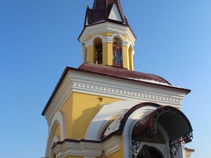 В Прокопьевске митрополит Аристарх освятил новый храм в честь Архистратига Михаила