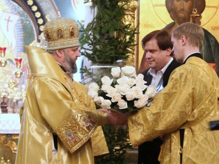 Митрополит Аристарх отметил день своего рождения служением Литургии в Знаменском соборе
