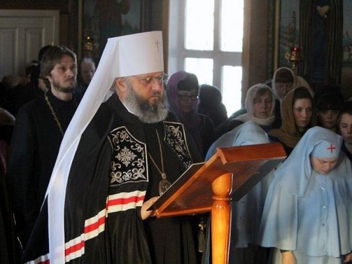 Митрополит Аристарх совершил повечерие с чтением Великого канона прп. Андрея Критского в Скорбященском храме Кемерова