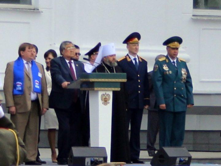 Губернатор А.Г. Тулеев и митрополит Аристарх поздравили выпускников губернаторских учреждений Кузбасса