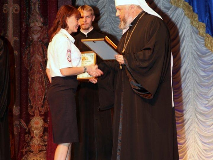 Митрополит Аристарх поздравил сотрудников ГИБДД Кузбасса с 80-летием образования их службы