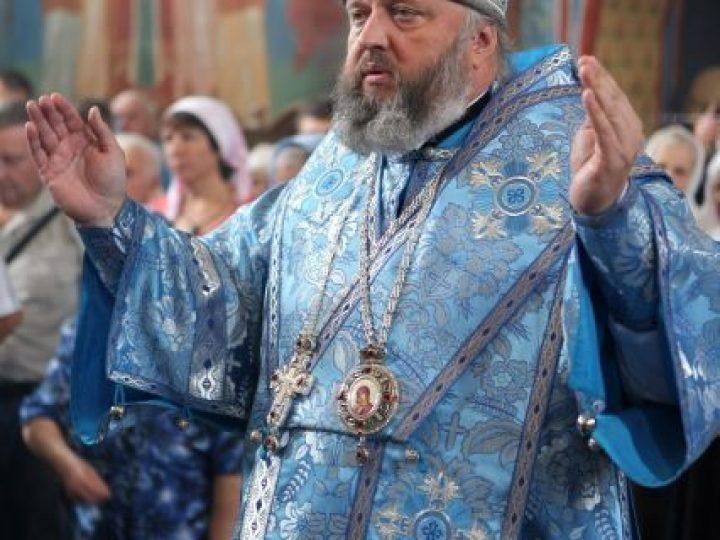 В день празднования иконе Божией Матери «Троеручица» митрополит Аристарх совершил Литургию в женском монастыре Л-Кузнецкого