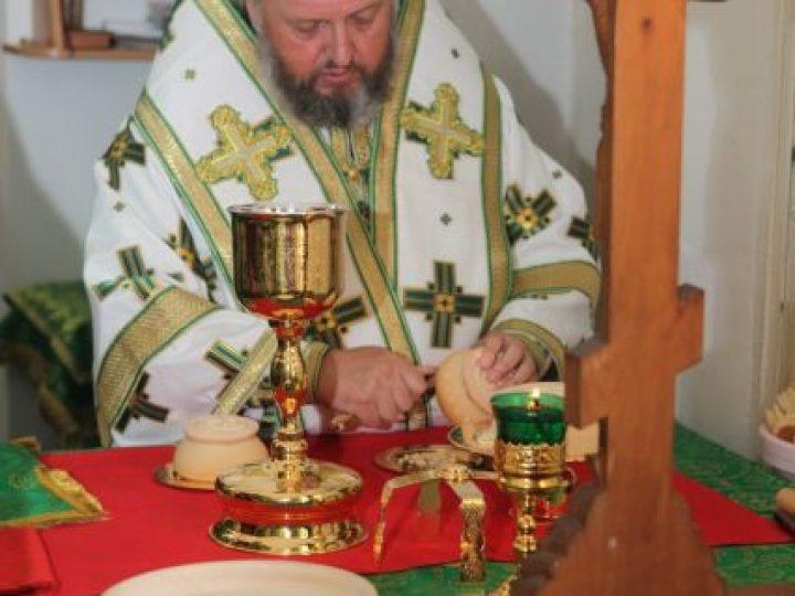 В день памяти прп. Сергия Радонежского глава Кузбасской митрополии совершил Литургию в храме поселка Комиссарово