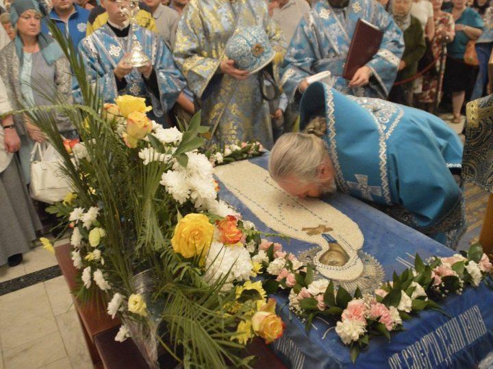 Архиерейская литургия в праздник Успения Пресвятой Богородицы и день Собора Кемеровских святых