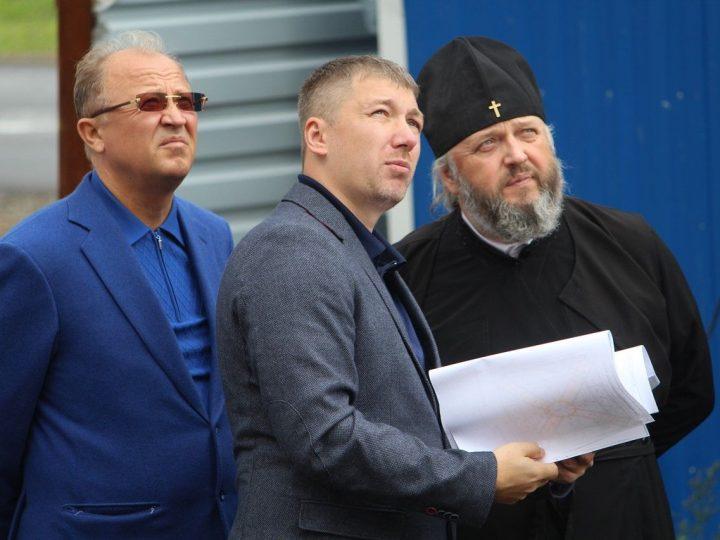 Глава митрополии ознакомился с ходом строительства храмов в Кемерово