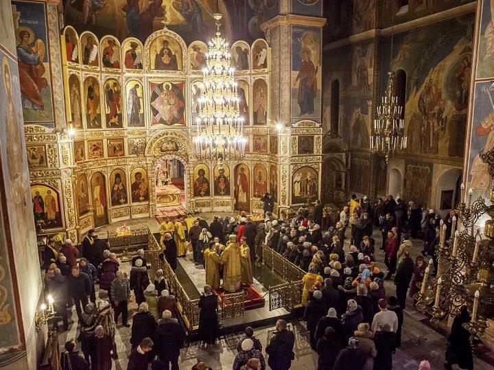 31 декабря в храмах Кузбасса состоялись новогодние молебны