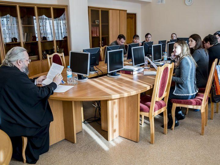 Митрополит Аристарх принял зачёт у будущих теологов