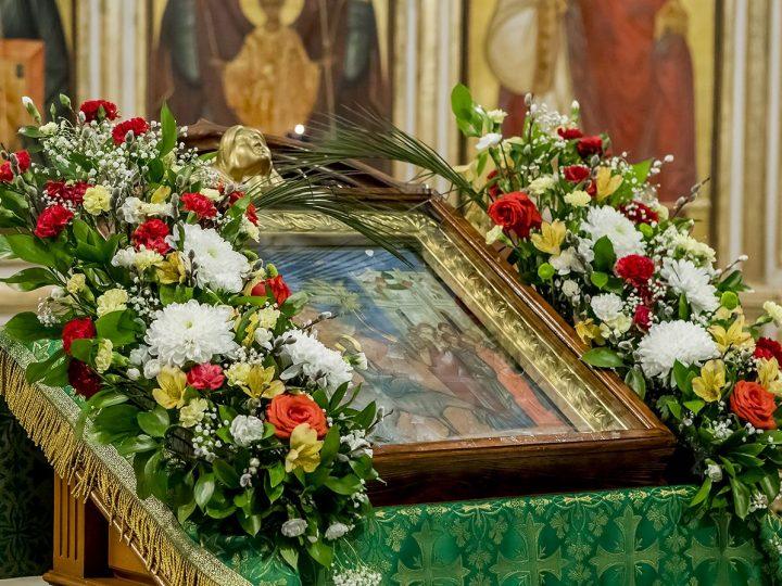 Утреню с чтением акафиста совершил митрополит в Знаменском соборе