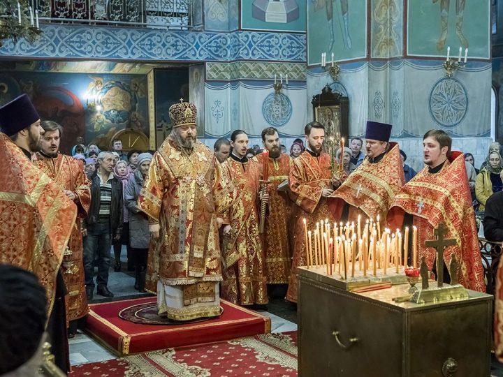 Митрополит Аристарх встретил богослужением поминальный день – Радоницу