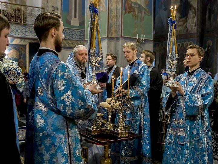 Накануне Благовещения митрополит Аристарх совершил Всенощное бдение в кафедральном соборе