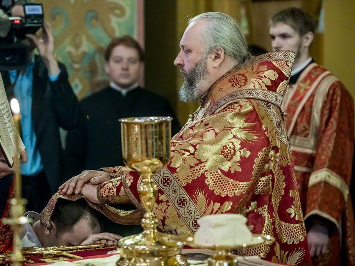 В Светлый понедельник митрополит Аристарх совершил диаконскую хиротонию