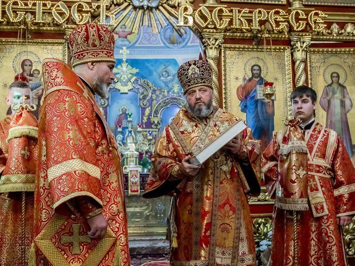 В день рождения епископа Новокузнецкого и Таштагольского Владимира два архиерея совершили Великую вечерню