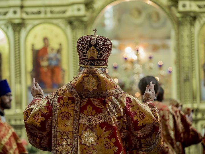 В Светлый вторник митрополит совершил Литургию во втором кафедральном соборе Кемеровской епархии